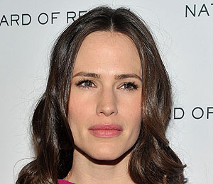 Jennifer Garner Wants Her Kids to Have a 'Healthy Relationship with Food'