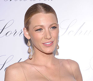 Rumor: Blake Lively to Play Carrie Bradshaw in 'Sex and the City' Prequel?