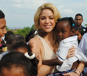 Shakira Goes 'Barefoot' in Colombia