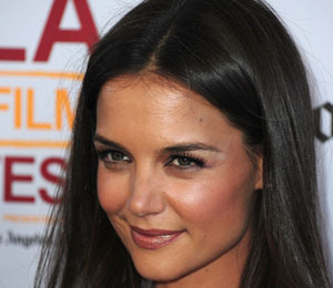 Katie Holmes on Tom's Hot Bod: 'He Looks Great!'