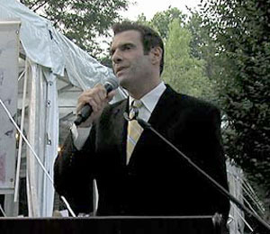 Extra Raw! Jerry Penacoli Speaks at Skin Cancer Benefit
