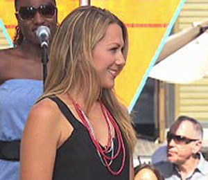 'Extra' Raw! Colbie Caillat Performs at The Grove
