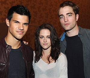 'Twilight: Breaking Dawn' News: Pattinson and Stewart at Comic-Con