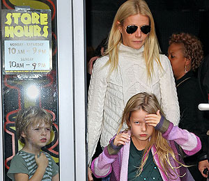 Pics! Gwyneth Paltrow and Kids Shop for Halloween Costumes