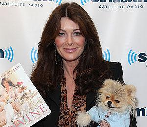 'Extra Raw'! 'Real Housewives' Star Lisa Vanderpump Entertains