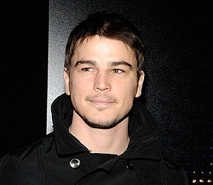 Josh Hartnett: Tummy Trouble 911