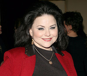 Delta Burke in Freak Accident!