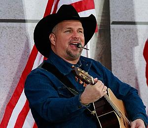 Garth Brooks Back in the Saddle in Sin City