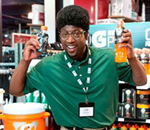 Dwyane Wade Goes Undercover at a Sporting Goods Store