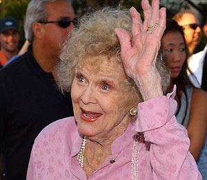 'Titanic' Star Gloria Stuart Dies at 100