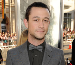 Extra Scoop: Joseph Gordon-Levitt's Brother Dies... Plus, 'Transformers 3'