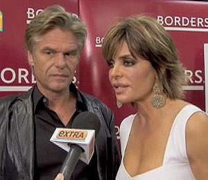 Lisa Rinna Fires Back at Haters Who Call Robbery a 'PR Stunt'