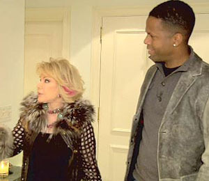 'Extra' Raw: At the Home of Joan Rivers