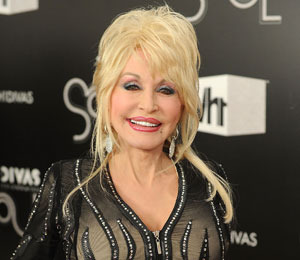 Video! Dolly Parton Makes 'Joyful Noise'