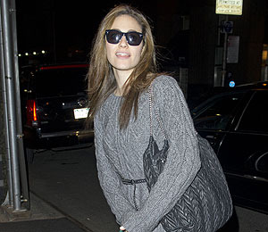 Pic! Emmy Rossum Looks Cool in Shades