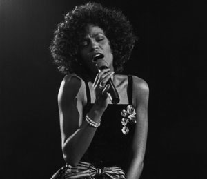 The Extra List: Top 5 Whitney Houston Performances
