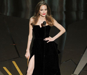 Angelina Jolie's Leg Takes Over the Internet