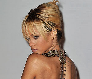 Rihanna in Twitter War with Chris Brown's GF