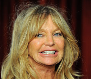 Extra Scoop: Kate Hudson and Matt Bellamy Did Not Wed, Says Goldie Hawn