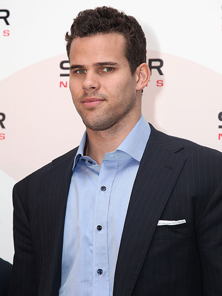 Kris Humphries Not Sick of 'Theraflu'