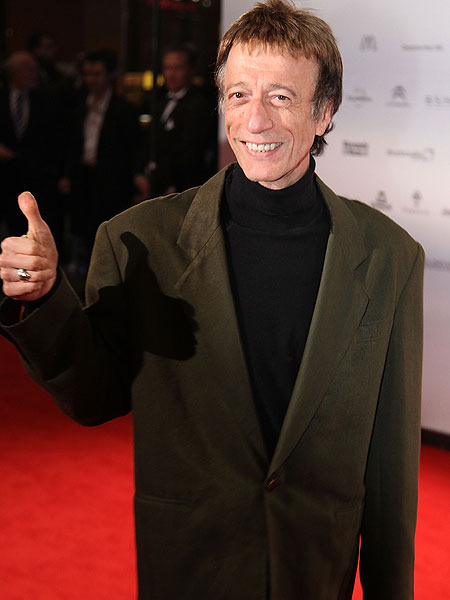 Robin Gibb in a Coma, Family Maintains Bedside Vigil