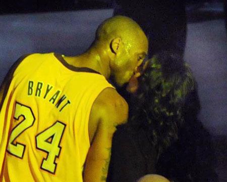 No Second Shot for Vanessa and Kobe Byrant -- Divorce Still On