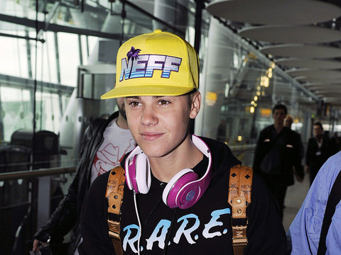 Justin Bieber Tweets Borat at Alleged Baby Mama