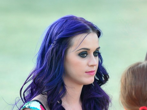 Pics! Katy Perry Dating Florence + the Machine Guitarist?