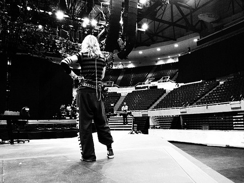 Pic! Madonna Begins Rehearsal for World Tour