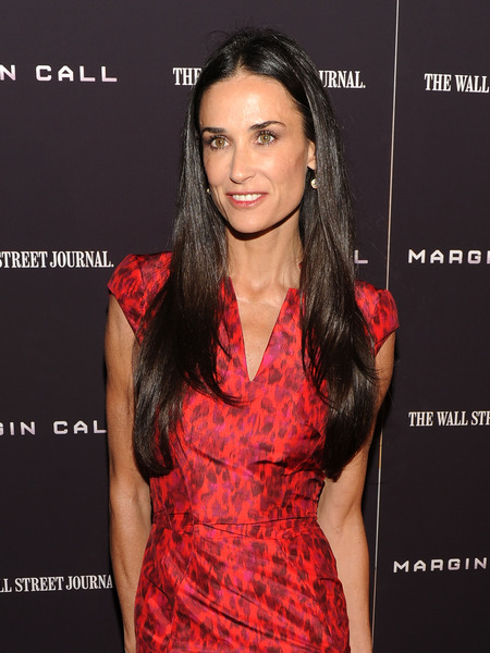 Demi Moore Ditches the @MrsKutcher Name
