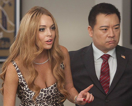 Pics! Lindsay Lohan Judges on 'Glee'