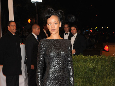 'Extra' Raw! All Dressed Up at the Costume Institute Gala