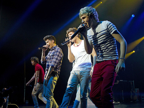 Exclusive Video! One Direction Surprises L.A. Fans with Vevo 'Go Show'