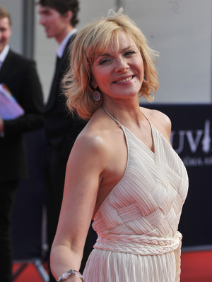 Extra Scoop: Who is Kim Cattrall Dating? | ExtraTV.com Kim Cattrall Dated