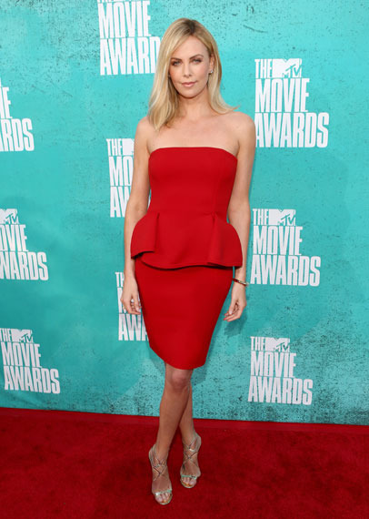Photos! 2012 MTV Movie Awards Arrivals
