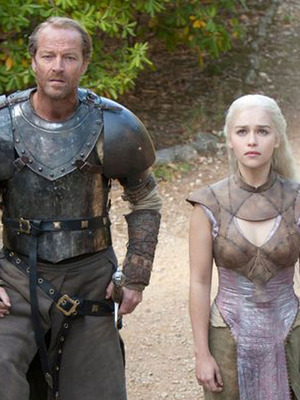 Extra Scoop: 'GoT' Recap -- War Wounds, Warlocks and White Walkers