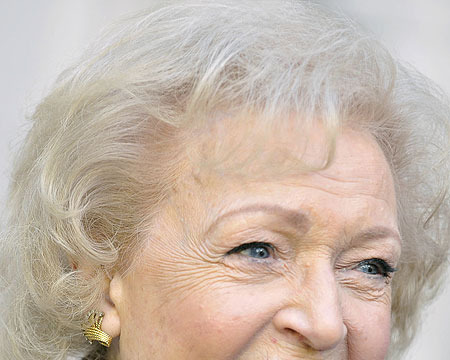 Pic! Betty White to the White House -- Visits President Obama