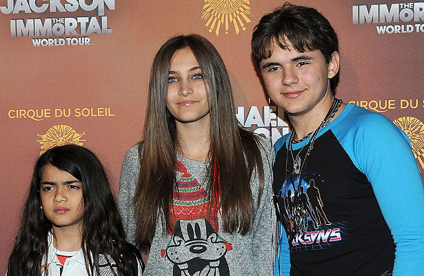 Paris Jackson Remembers Her Dad on Death Anniversary