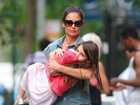 Katie Holmes Moves Out, Finds New NYC Apartment