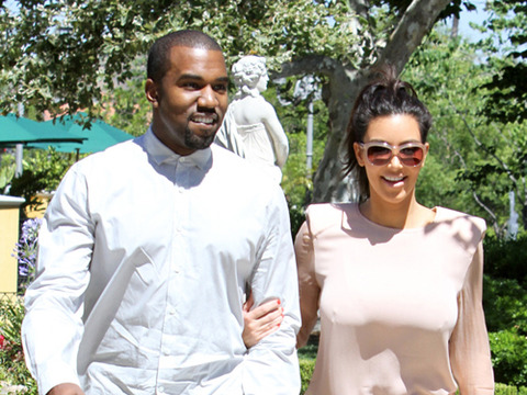 Video! Kanye West Joins Kim on 'Keeping Up with the Kardashians'