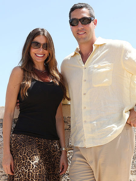 Sofia Vergara is Engaged, First Pic of the Ring!