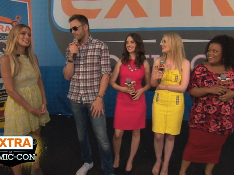 'Extra at Comic-Con': 'Community' vs. 'Big Bang'