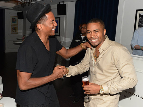 Video! Jay-Z and Beyonce Drinks Moet & Chandon with Nas