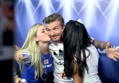 Video! David Beckham Surprises Fans at a Photo Booth
