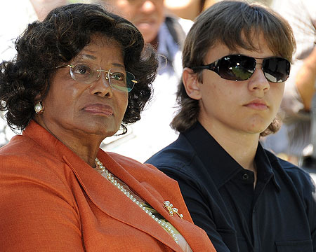 Katherine Jackson Says She's Fine, Prince Slams Family in Angry Tweet