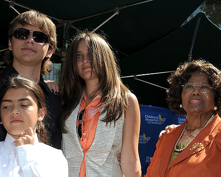 Katherine Jackson Eager to Share Guardianship with Grandson