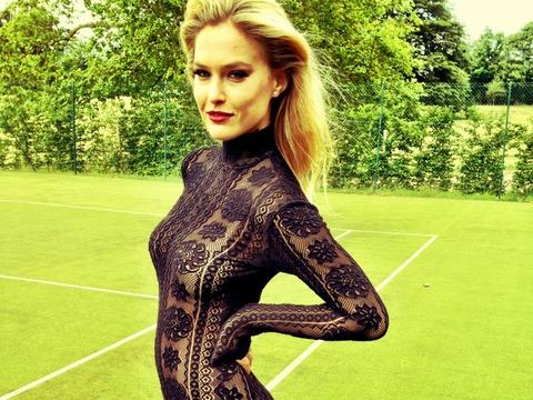 Pic! Bar Refaeli in Black Lace Bodysuit