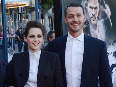 Kristen Stewart's Married Man Spied with Wedding Ring