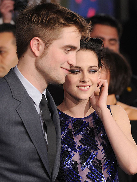 Friend Says Rob Pattinson is 'Drunk Dialing' Kristen Stewart