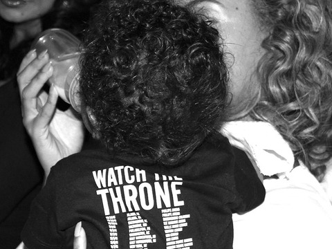 Pic! Beyoncé in Mommy Mode with Blue Ivy